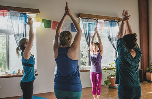 Yoga class for yoga and pelvic health retreat